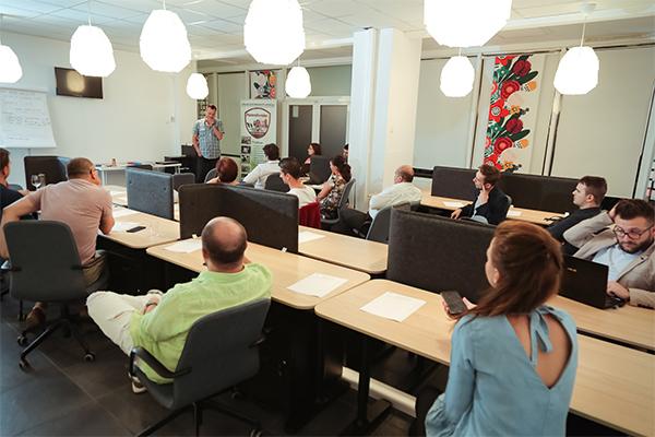 C.HUB spațiu de coworking Bucharest Business Club Galați Brăila