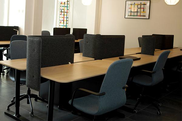 C.HUB spațiu de coworking birouri open-space